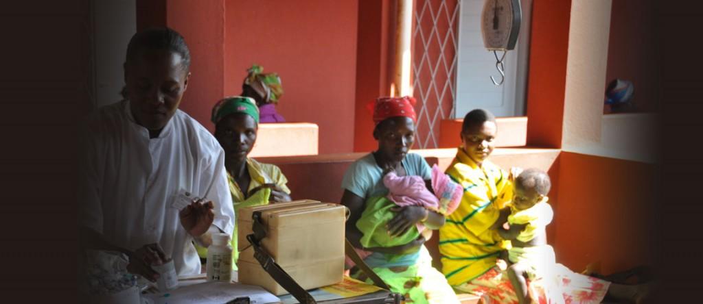 Mozambique nurse and patients