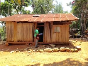 Surveyor knocking on doors in the hamlet of Colidasi
